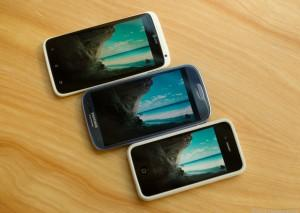iphone 5 galaxy S3 300x213 iPhone 5, Galaxy S3 : Lequel choisir ?