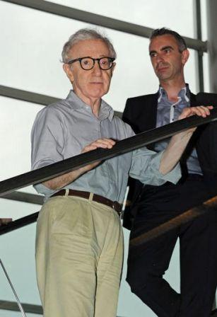 Woody_Allen_Director_actor_Woody_Allen_seen_E63RmYNgngQx.jpg