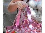 peoples aiment Hello Kitty Suri Cruise