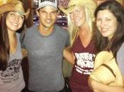Taylor Lautner pics