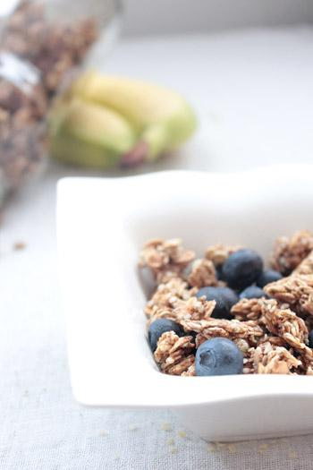 Super granola : banane, chanvre et mulberries