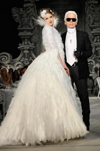Fashion week  La robe de mariée Chanel Automne Hiver 2012,2013