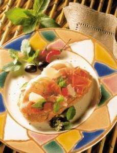 Crostini de jambon cru, tomates, parmesan et basilic