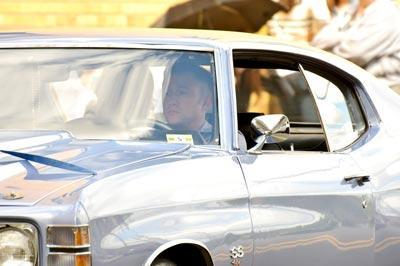 Joseph_Gordon_Levitt_seen_filming_scenes_car_b9teu99vw8tx.jpg