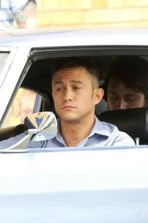 Joseph_Gordon_Levitt_seen_filming_scenes_car_BwYAwhUfR4Tx.jpg
