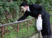 Anonymous jouent éboueurs