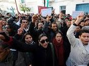 révolution tunisienne féminin: efficace comme coup propre