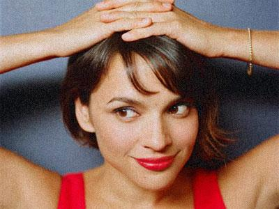 Norah Jones, encore un peu plus pop !