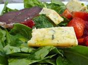 Salade magret fraises pousses d'épinard, reste tarte Ricotta sans pâtes.