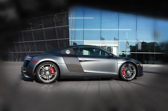 Image audi r8 exclusive selection 3 550x366   Audi R8 Exclusive Selection Edition
