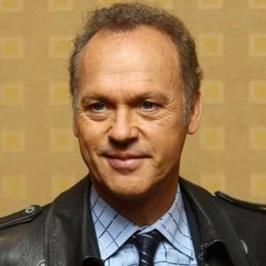 Michael Keaton remplace Hugh Laurie dans Robocop