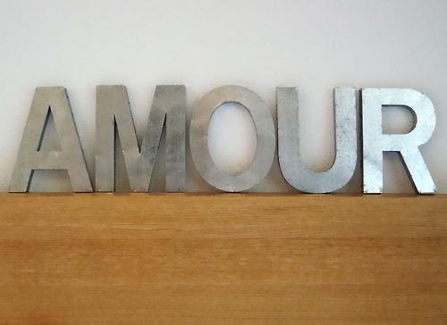Et les murs parlent avec des lettres d coratives en d couvrir - Lettre decorative a poser ...
