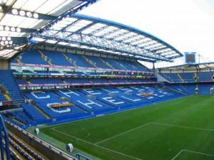 Chelsea-C1 : Azpi in, Malouda out