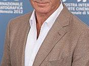 Pierce Brosnan trés charmeur Festival Venise Photos