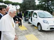 Renault offre deux papamobiles électriques Vatican