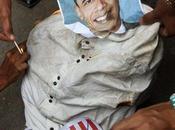 BENGHAZI (Libye) images choquent l'Amérique, avec Obama immolé