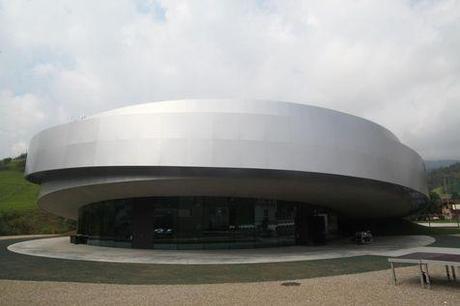 Le Ksevt, à l'architecture futuriste, s'inspire des dessins de Potocnik.