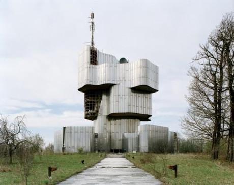 Jan Kempenaers – Spomeniks Yougoslaves