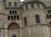 cathédrales romanes comme s'il pleuvait