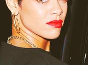 Rihanna, briseuse couples public défend.