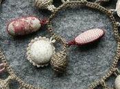 Bijoux tissu, crochet point croix