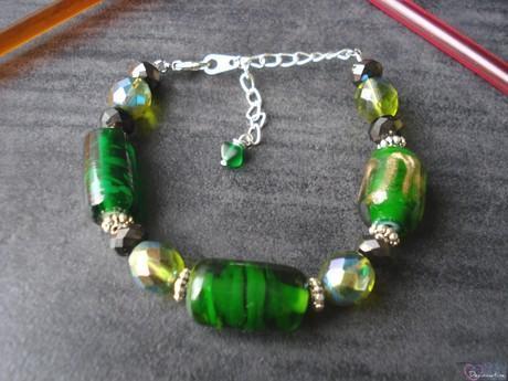 bracelet perles de verre vertes