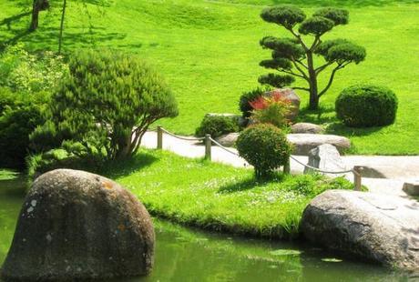 Pour un jardin pentu pensez à des escaliers
