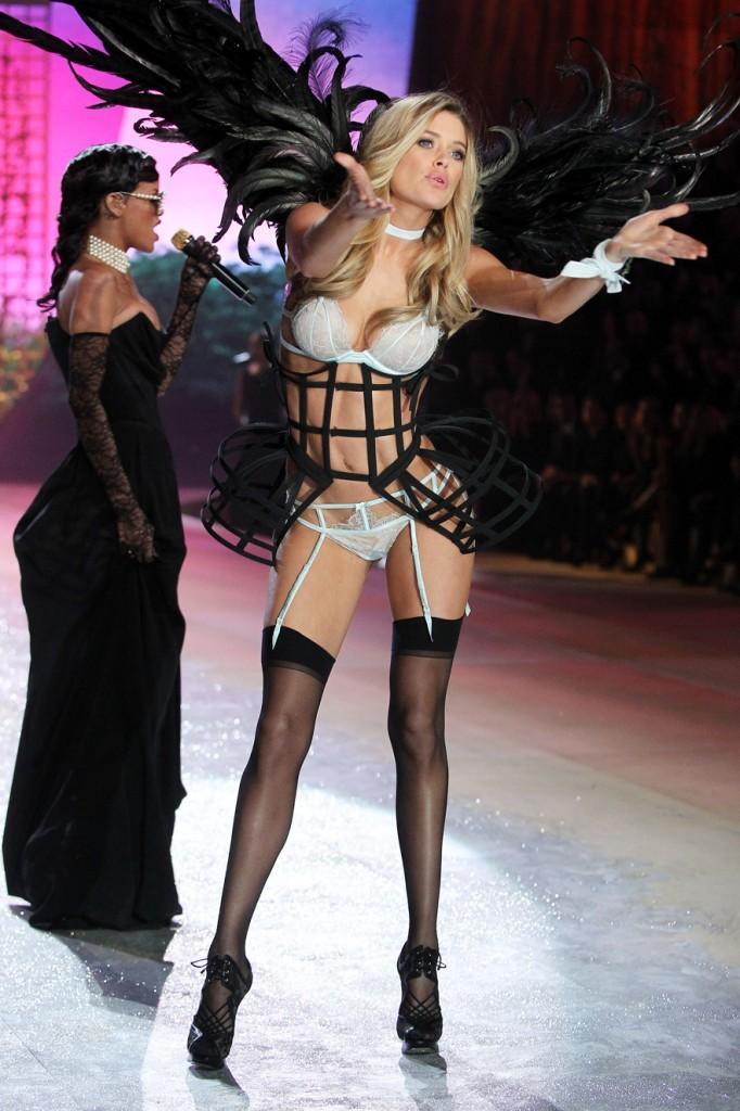 Les Anges De Victorias Secret Sont De Retour À Lire - Porte jarretelle victoria secret