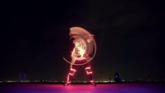 Light Emitting Dudes – LED Freerunning !