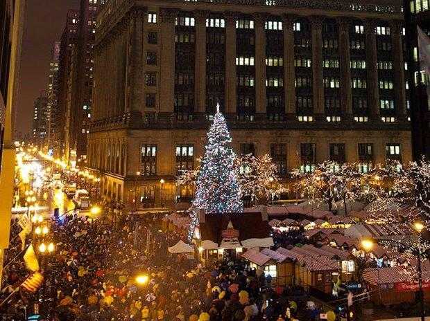 chicago-city-christmas-tree