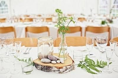 Le bois un accessoire d co pour un mariage en plein air - Rondin de bois mariage ...