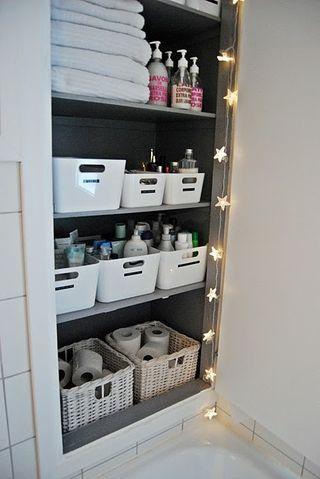 Salle de bain dans un placard