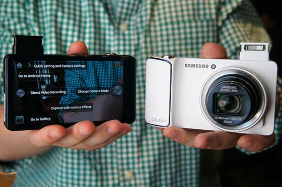 Samsung Galaxy Camera VS iPhone 5...