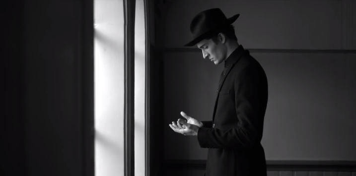 Woodkid - I Love You (video)