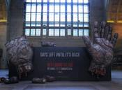 installation Walking Dead dans gare Toronto