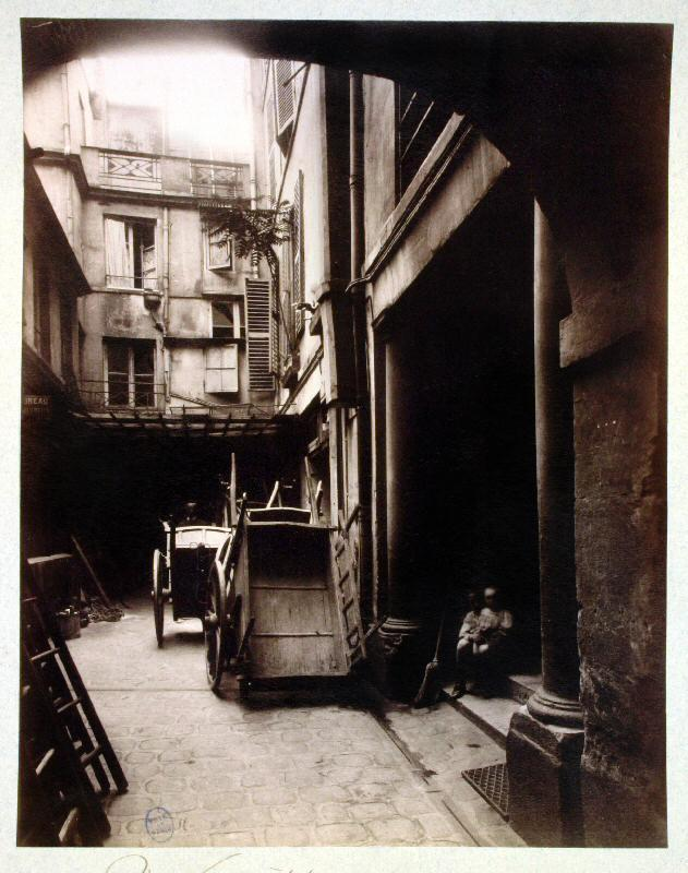 16_rue-visconti_1910_Atget