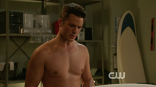 90210-matt-lanter-shirtless.png