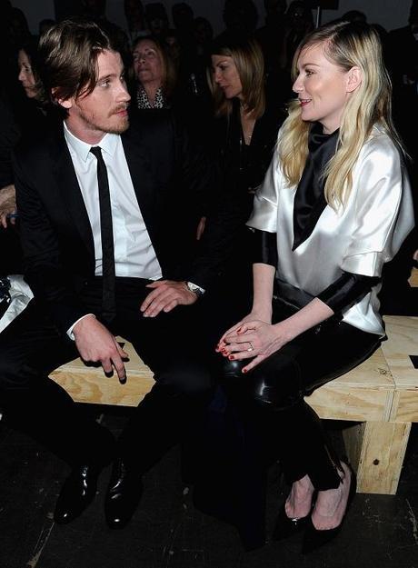 Garrett Hedlund et Kirsten Dunst au Défilé de Yves St-Laurent Fall Collection 2013 à Paris - 04.03.2013