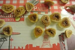Figues au fromage frais_coupez les figues en deux