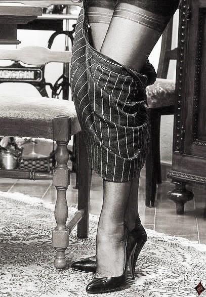 D fendons le port des bas nylon infos 75 - Photo de femme en porte jarretelle ...