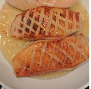 Magrets de canards mangues et pêches au miel,faîtes revenir les magrets