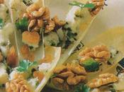 Feuilles d'endive poires, roquefort noix, graines pavot bleu poivre Sichuan