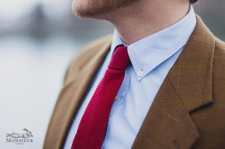 Une cravate en belle soie tissée, cousue main en Irlande du nord