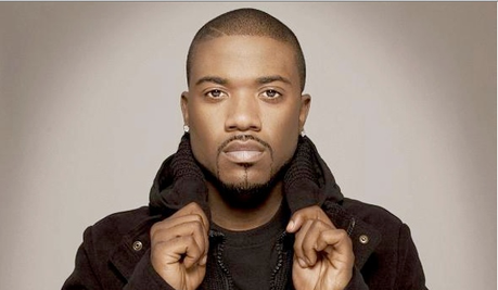 VIDEO PREMIERE : Ray J - I Hit It First avec un sosie de Kim Kardashian (CLIP)