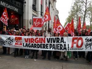Manifestation des salariés de Virgin Megastore
