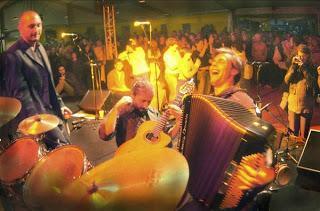 Let's dance ! Jeudi 2 mai à 21h, rendez-vous à La Java, pour swinguer avec Le Bal des Martine !