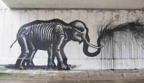roa_elephant_drips_black
