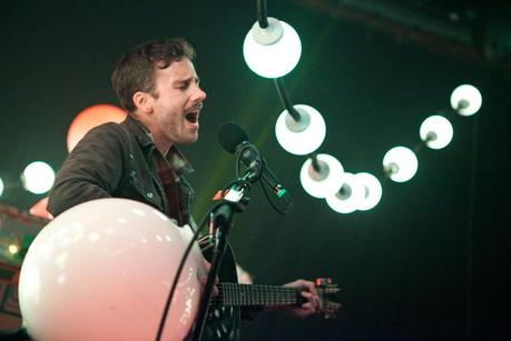 PORTUGAL. THE MAN   EVIL FRIENDS | REVIEW + INTERVIEW
