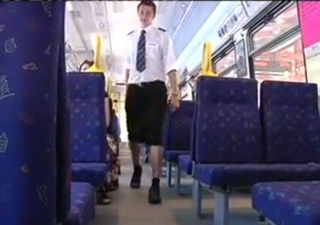 Ce conducteur de train suédois porte une jupe