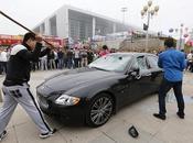 Chinois détruit voiture Maserati coûte 423.000$